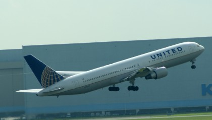 Boeing 767-300ER N647UA United Airlines