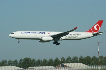 Airbus A330-343 TC-LOE Turkish Airlines