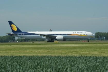 Boeing 777-35RER VT-JEW Jet Airways