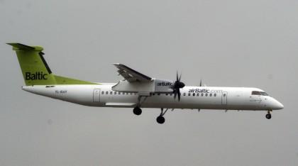 Bombardier DHC-8-402/Q400 YL-BAY Air Baltic