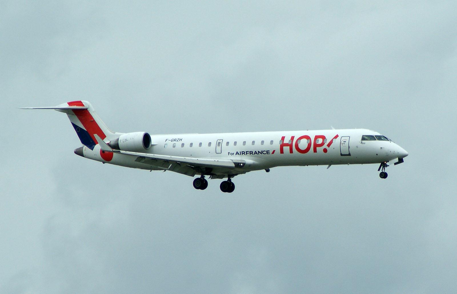 Bombardier CRJ700 F-GRZH HOP