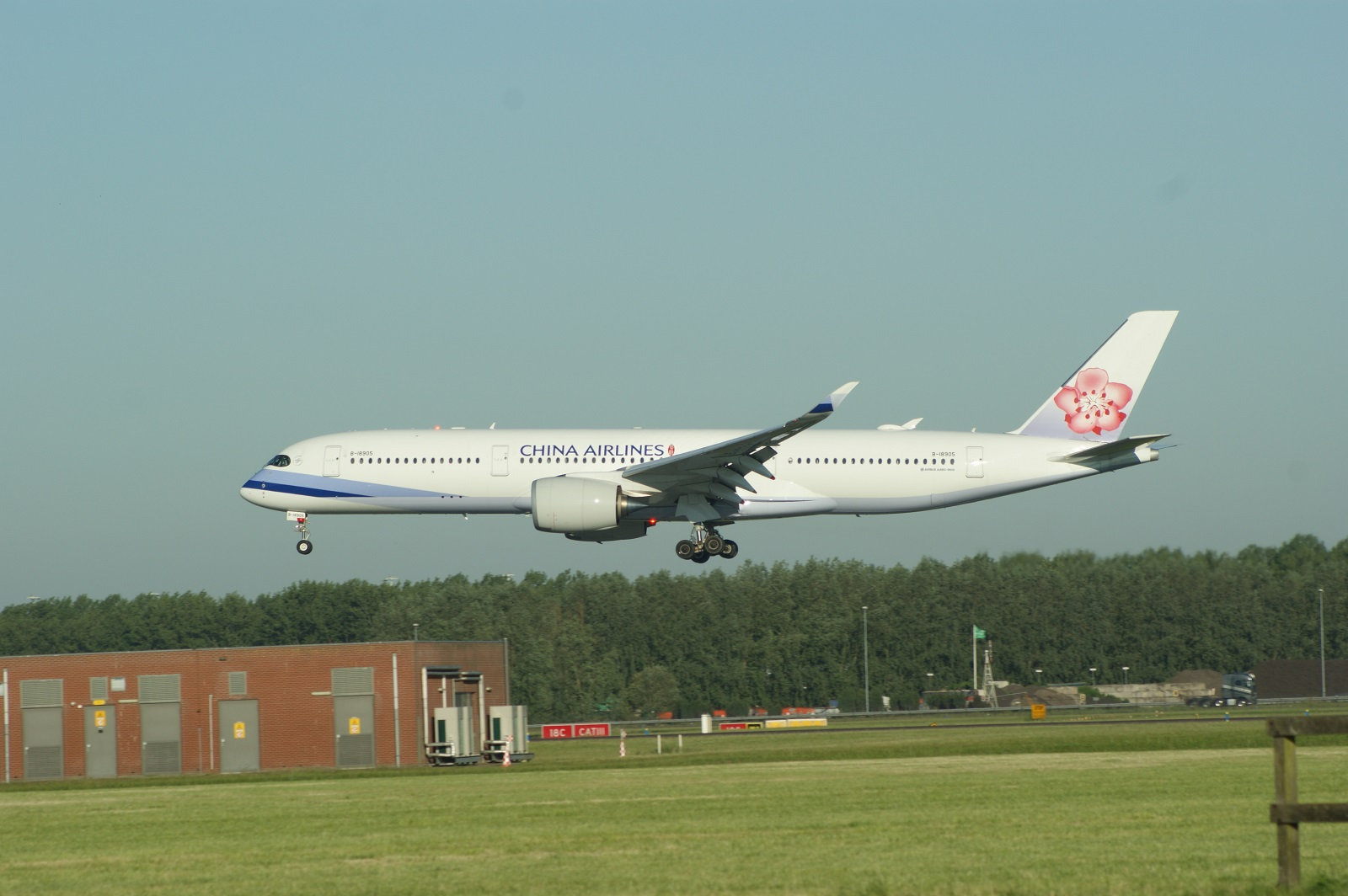 Airbus A350-941 B-18905 China Airlines