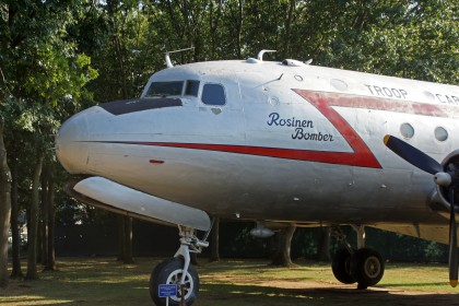 Douglas C-54A Skymaster 44-09063 US Army Air Force Rosinen Bomber